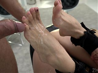 Cum on feet after a rough anal fuck